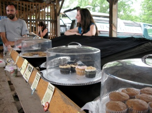 """another day at the market for joe and annie"" of Free Critter Baking Co. - photo by Shira Golding"